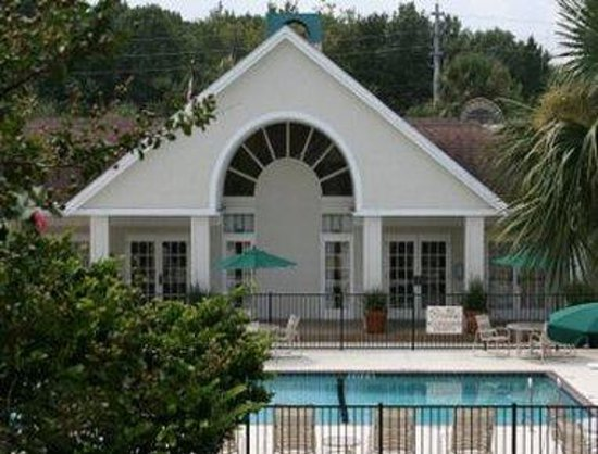 Hawthorn Suites By Wyndham Jacksonville: Pool