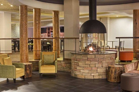 Rye Brook, NY: Lobby with Fireplace
