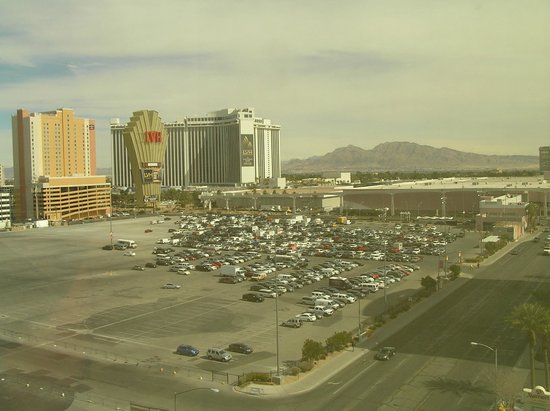 Clarion Hotel &amp; Casino:                   West view from 11th floor