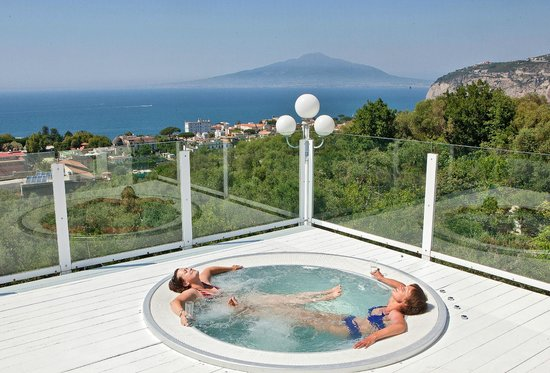 Villa Oriana Relais : The View from Jacuzzi