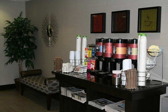 Hampton Inn State College: 24-Hour Hot Beverage Bar