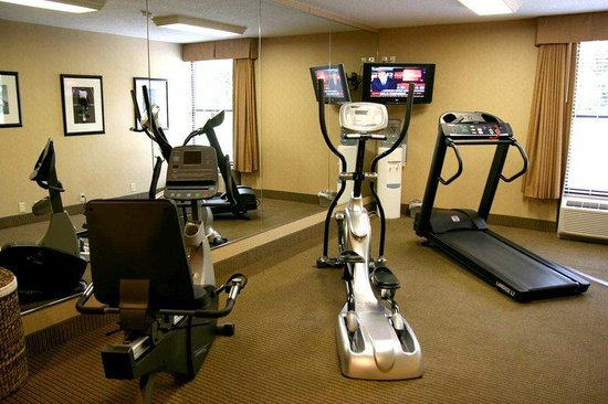 Hampton Inn State College: Fitness Center