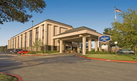Hampton Inn College Station: Hotel Exterior