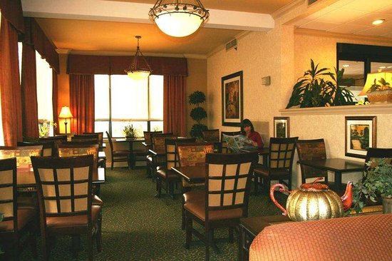 Hampton Inn Jacksonville - I-95 South: Breakfast Seating