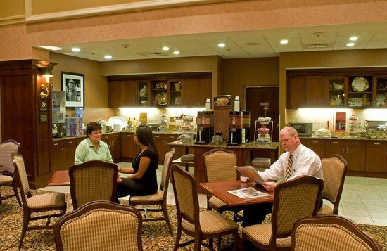 Hampton Inn Raynham-Taunton: Breakfast Dining Area