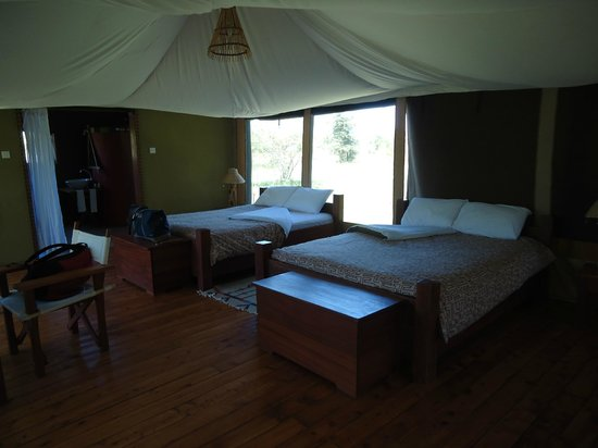 Olowuaru Keri Mara Camp:                                     Queen Beds