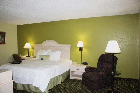 Hampton Inn Jackson/Pearl-International Airport: King Suite Smoking
