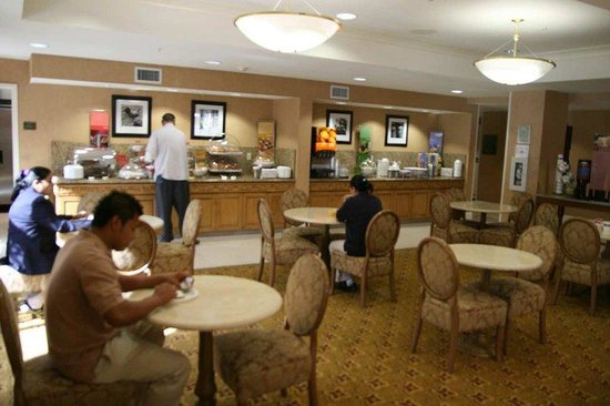 Hampton Inn Milpitas: Breakfast Area