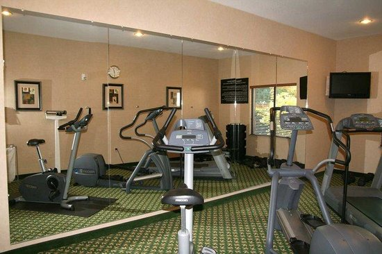 Hampton Inn Medford: Fitness Room