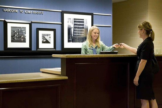 Hampton Inn & Suites Clermont: Front Desk Service