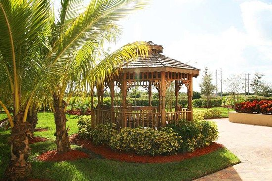 Hampton Inn & Suites Wellington: Gazebo