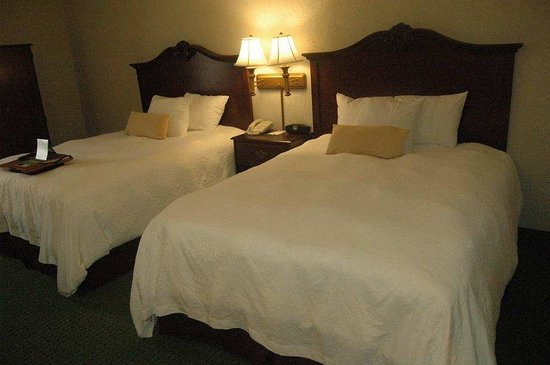 Hampton Inn Summerville: Two Queen Beds