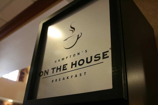 Hampton Inn &amp; Suites Wilmington: Breakfast