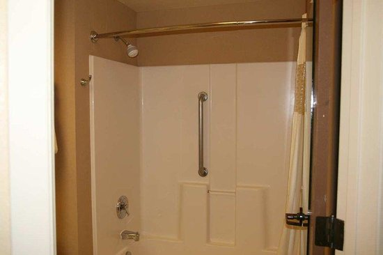 Hampton Inn Portland East: Hearing Accessible Bathroom