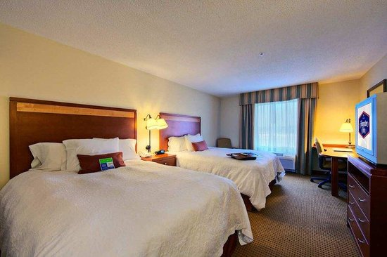 Hampton Inn Enterprise: Guestroom
