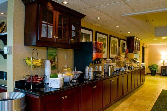 Hampton Inn New Bedford / Fairhaven: Delicious Hot Breakfast