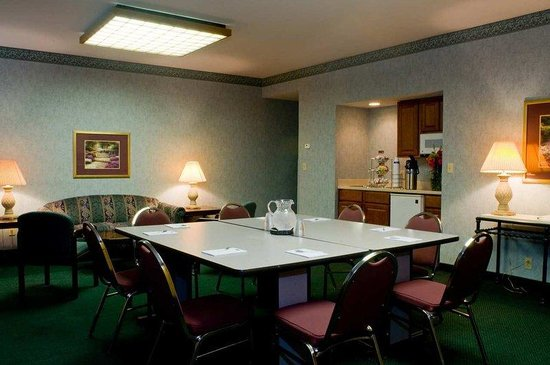 Hampton Inn New Bedford / Fairhaven: Hospitality Suite