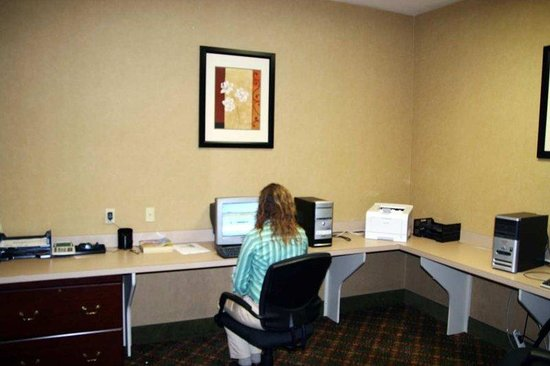 Hampton Inn &amp; Suites Lafayette : Business Center 