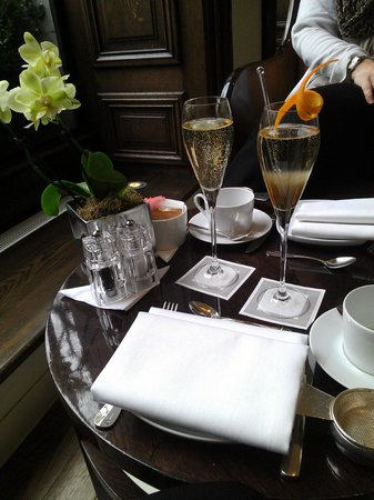 One Aldwych: Champagne and champagne cocktails to start