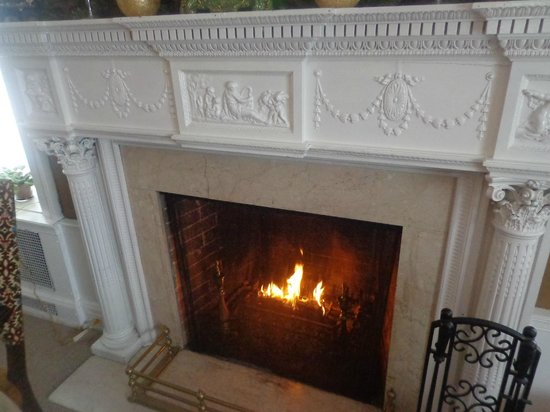 ‪‪Elizabeth House Bed and Breakfast‬: Fireplace‬