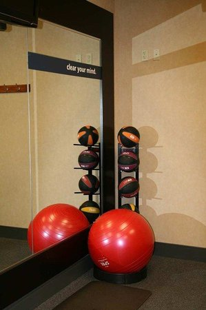 Hampton Inn Pine Grove: Fitness Center