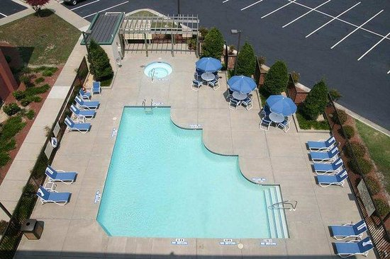 Hampton Inn Elizabeth City: Pool