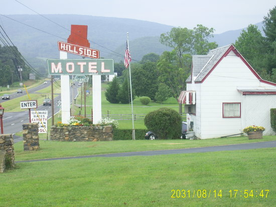 Hillside Motel: 8/2010