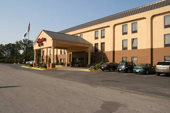 Hampton Inn Carrollton: Exterior of Building