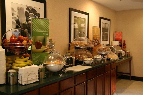 Hampton Inn Carrollton: Hot Breakfast