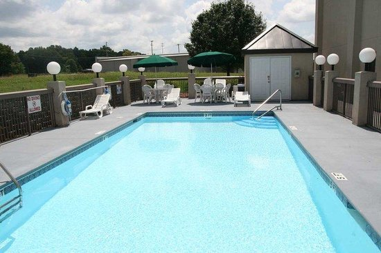 Hampton Inn Tullahoma: Pool