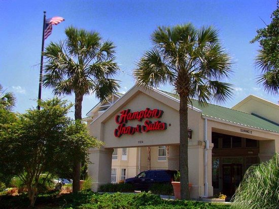 Hampton Inn and Suites Charleston/Mt. Pleasant-Isle Of Palms: Hotel Exterior