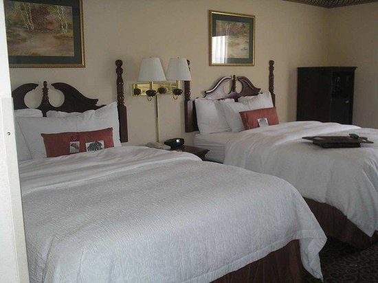 Forrest City, AR: Non Smoking Double Queen Beds