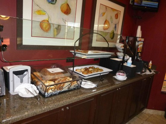 Staybridge Suites Jacksonville: breakfast