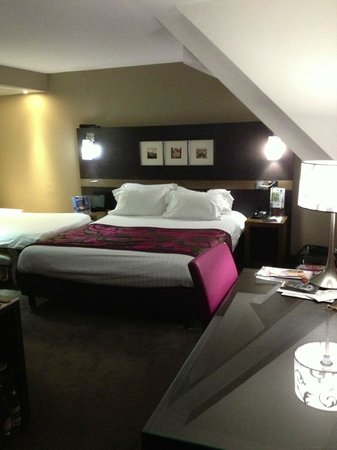 Holiday Inn Paris-St. Germain Des Pres: King room with fold out sofa