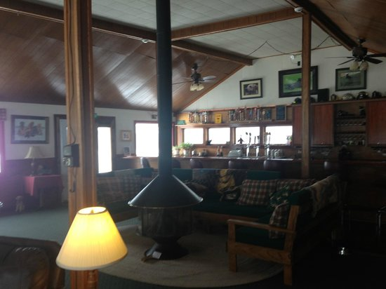 Bondville, VT: Living room /Bar