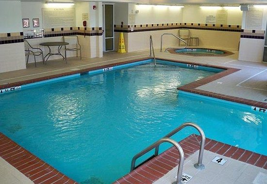 SpringHill Suites Nashville MetroCenter: Indoor Pool