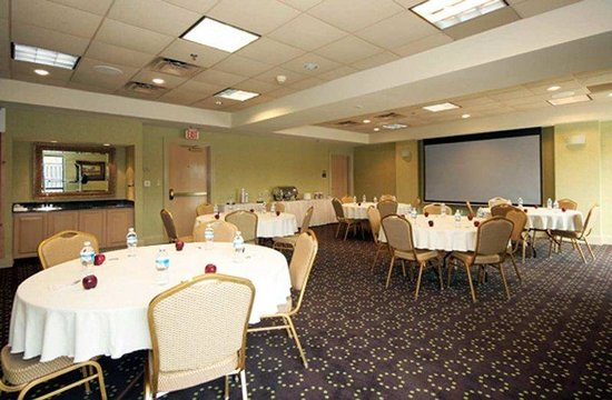 Hampton Inn & Suites Atlantic Beach: Meeting Facilities