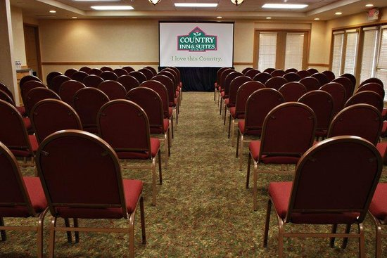 Country Inn & Suites Deer Valley: Theater