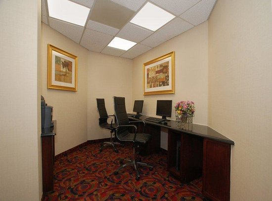 BEST WESTERN PLUS Reading Inn &amp; Suites: Business Center