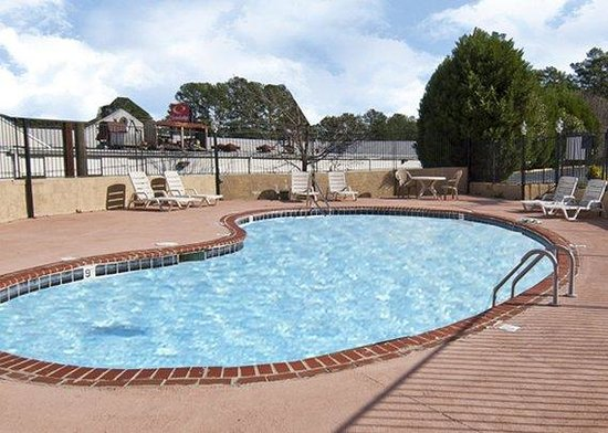 Econo Lodge - Macon / Riverside Dr: pool