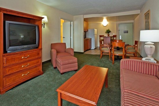 Holiday Inn Express Olive Branch: Presidential Suite
