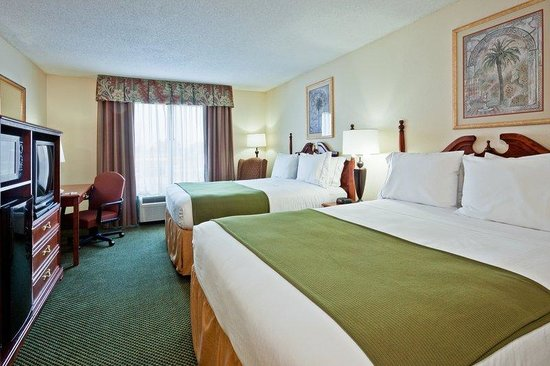 Holiday Inn Express Olive Branch: Queen Bed Guest Room
