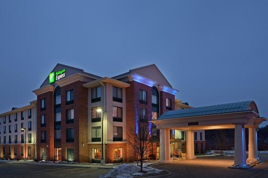 Holiday Inn Express Auburn: Entrance of Hotel