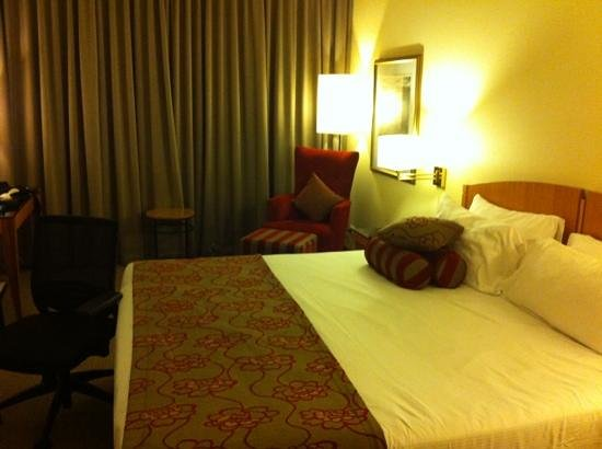 Duxton Hotel: my room