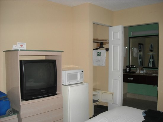 Days Inn Fort Lauderdale Airport North Cruise Port: Room