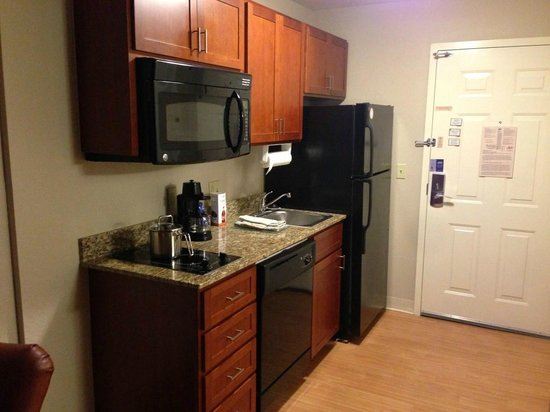 Candlewood Suites Bluffton-Hilton Head: Kitchenette