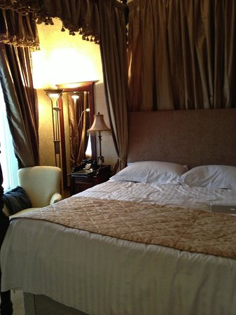 Butlers Town House Hotel: Connamara bedroom
