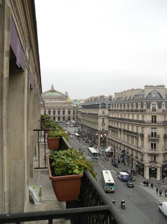 Hotel Edouard 7: room view