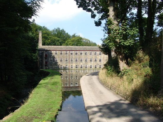 ‪Hewenden Mill Holiday Cottages‬