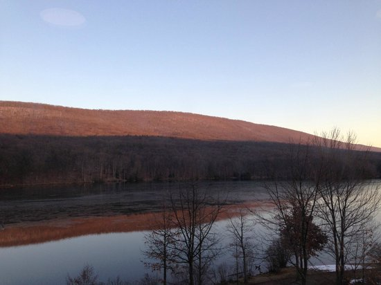 Rocky Gap Casino Resort: View from elevator